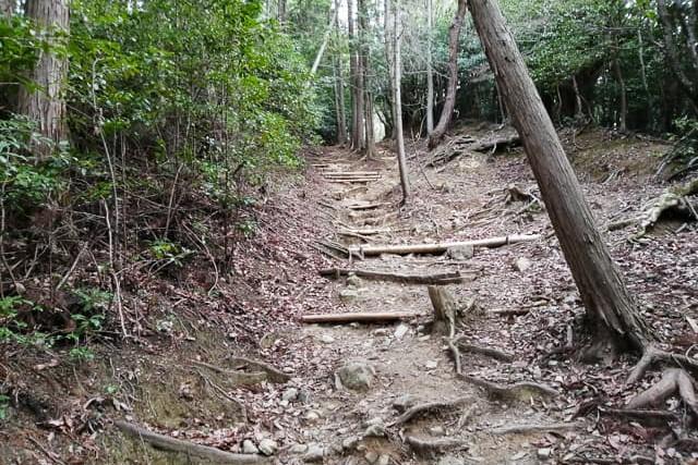 広島 登山 テント